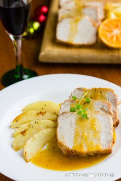 Recipe for pork loin in mandarin sauce, an easy and delicious christmas recipe Catering Food Displays, Fruit Displays, Xmas Dinner, Veggie Tray, Pork Dishes, Pork Loin, Pork Recipes, Detox Recipes, Salads