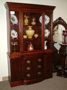 Mahogany Duncan Phyfe Style China Cabinet---love. Similar to what I have