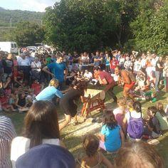 Campeonato popular de tronza en las fiestas del valle de Artze