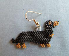 Boucles d'oreilles perles teckel dans par DsBeadedCrochetedEtc