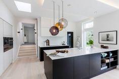 Modern House by Skanlux « HomeAdore Home Decor Kitchen, Kitchen Furniture, Kitchen Interior, Interior Design Living Room, Kitchen Models, Best Kitchen Designs, Scandinavian Kitchen, Cool Kitchens, Home Remodeling