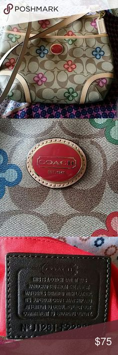 Coach handbag This very gently used bag would be a compliment to any outfit. Coach Bags