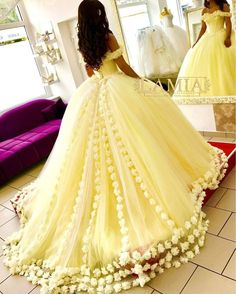 2019 Yellow Quinceanera Dresses Hand Made Flowers Tulle Off The Shoulder Princess Sweet 16 Dress Masquerade Prom Ball Gown – fashion Sweet 16 Dresses, Trendy Dresses, 15 Dresses, Ball Dresses, Dresses With Sleeves, Formal Dresses, Wedding Dresses, Gown Wedding, Dresses Online