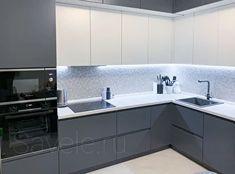 Modern Grey Kitchen, Small Modern Kitchens, Grey Kitchen Designs, Kitchen Cupboard Designs, Luxury Kitchen Design, Kitchen Room Design, Modern Kitchen Cabinets, Stylish Kitchen, Home Decor Kitchen