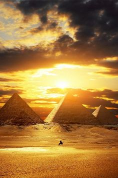 Egypt's Pyramids are truly an amazing world wonder- day dreaming about my bucket list!