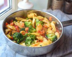 Sunn Kyllinggryte med ingefær - Perfekt på hektiske hverd...   Gladkokken Frisk, Potato Salad, Cabbage, Potatoes, Meat, Chicken, Vegetables, Ethnic Recipes, Food