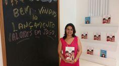 Escritora Caroline Rocha dando as boas vindas a todos