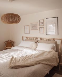 home decor scandinavian Decor tip : A collection of different frames above the bed creates a unique statement wall, and draws your eyes upward! Diy Home Decor Bedroom, Bedroom Wall, Beige Walls Bedroom, Beige Bedrooms, Beige Bedding, White Bedroom, White And Brown Bedroom, Beige Room, Bedroom Frames