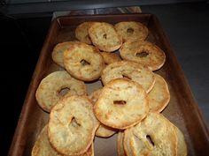 """Freselle"" fatte in casa · La cucina di elsa's blog Friselle Recipe, No Bake Desserts, Bagel, Biscotti, Elsa, Pizza, Baking, Credenza, Breads"