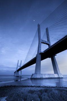 Португалия, мост Васко да Гама, самый длинный мост в Европе