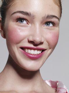 How much do I love that combo on both cheeks and lips? Adorable! (Lisa Eldridge, Glamour UK - Robin Derrick)