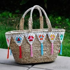 DIY: Customize your beach bags with crochet