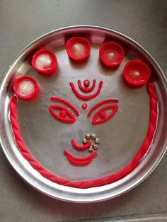 Navratri Puja will help you overcome all your negativities. Flourish with wealth on this Navratri by offering Homam to Lakshmi, Saraswathi & Durga. Rangoli Designs Flower, Colorful Rangoli Designs, Rangoli Designs Diwali, Flower Rangoli, Gauri Decoration, Arti Thali Decoration, Mandir Decoration, Diwali Decorations At Home, Festival Decorations
