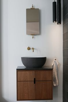 Guest Bathrooms, Bathroom Renos, Dream Bathrooms, Small Bathroom, Washroom Design, Bathroom Interior Design, Wash Basin Cabinet, Toilet Vanity, Brown Couch Living Room