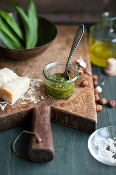 Recipe here:  http://www.thekitchenfinesse.com/2012/04/risotto-wild-garlic.html