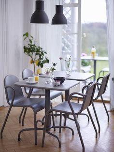 Das Frühstück steht bereit! (Im Bild: TUNHOLMEN Tisch mit 2 Stühlen)