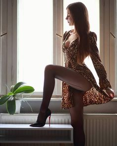 Great Legs, Beautiful Legs, Gorgeous Women, Sexy Legs And Heels, Elegantes Outfit, Sexy Stockings, Sexy Hot Girls, Malta, Sexy Dresses