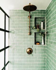 Grüne Badezimmerparty! Guten Morgen! Ich möchte diese Woche mit einem schönen   Grüne Badezimmerparty! Guten Morgen! Ich möchte diese Woche mit einem schönen Bad beginnen - Grüne Badezimmerparty! Guten Morgen! Ich möchte diese Woche mit ein paar schönen Inspirationen fürs Bad beginnen. Hier sehen Sie die Verwendung von hellgrünem   bathroom2.decordi-  Hoe maak je je eigen Toscaanse geïnspireerde badkamer  Met de elegantie van klasse ingebakken in alle armaturen in de badkamer samen met de…