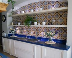 Hand decorated lavastone tiles. collezione luminaria. festose