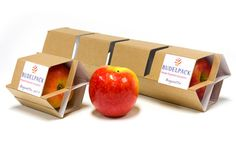 packaging inspired by fruit Packaging Carton, Apple Packaging, Cardboard Packaging, Cool Packaging, Food Packaging Design, Packaging Design Inspiration, Vegetable Packaging, Innovative Packaging, Fruit Shop