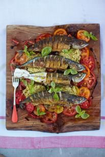 Mighty mackeral & mixed tomato and quinoa salad. Jamie Oliver 15 minute meals