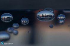 Artista passou 15 anos fotografando Cidades em gotas da água