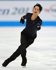 フィギュアスケートジャパン・オープンの開幕を翌日に控え、練習する高橋大輔=4日、さいたまスーパーアリーナ 【時事通信社】