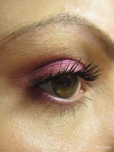 MAC Eyeshadow Hepcat  http://www.missgrapefruit.de/mac-eyeshadow-hepcat/