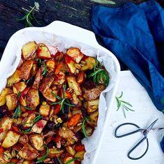 Hunajaiset rosmariinijuurekset Easy Delicious Recipes, Yummy Food, Healthy Cooking, Cooking Recipes, Veggie Recipes, Healthy Recipes, I Love Food, Superfood, Food Inspiration