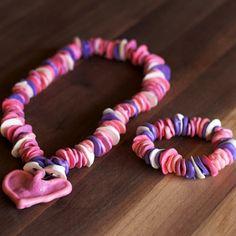 collier en bonbons pour les enfants