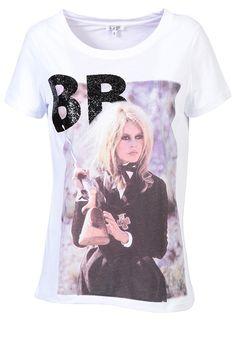 1886aed13a5c8 BRIGITTE BARDOT T-shirt Imprimé Brigitte Bardot Brigitte Bardot, Cannes  Film Festival, Special