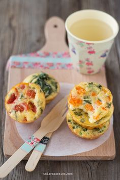recipe veggie omlette bites, frittatine al forno con verdure Veg Appetizers, Appetizer Buffet, Appetizer Recipes, Healthy Meals For Kids, Kids Meals, Good Food, Yummy Food, Gourmet Cooking, Pub Food