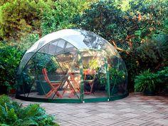 que tal curtir o verão ao ar livre (e sem morrer de calor)? :D  conheça o Garden Igloo, alternativa sustentável e relaxante para colocar no jardim de casa: http://www.bimbon.com.br/arquitetura/garden_igloo_o_gazebo_portatil_e_multifuncional_em_forma_de_iglu