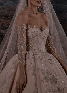Elegant Dresses, Pretty Dresses, Beautiful Dresses, Dream Wedding Dresses, Wedding Gowns, Queen Wedding Dress, Ball Gown Dresses, Prom Dresses, Foto Fantasy
