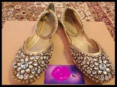 Kundan khussa on SALE RS 2600 (For few days only) RS 3300 (With pair of anklets) Sizes: or Delivery in days Bridal Shoes, Wedding Shoes, Indian Shoes, Innovative Ideas, Punjabi Suits, Flats, Sandals, Pumps, Heels