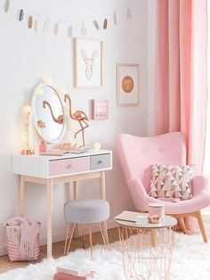 45 Cute And Girly Pink Bedroom Design For Your Home. Girls bedroom designs can really show off who your daughter is and who she wants to be. It a chance to experiment with design and just have fun. Pink Bedroom Design, Pink Bedroom For Girls, Gold Bedroom, Teen Girl Bedrooms, Bedroom Vintage, Trendy Bedroom, Girl Rooms, Pink Bedrooms, Bedroom Designs For Girls
