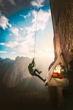 On El Capitans Dawn Wall Climb Thought To Be Worlds Toughest - Two climbers scale 3000ft hardest route world