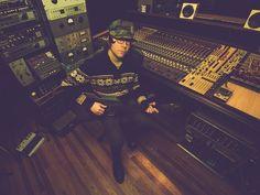 Explore Ableton's artist feature/interview on guitarist Anthony Pirog! https://www.ableton.com/en/blog/anthony-pirog-audio-to-midi/