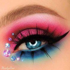 Bright Eye Makeup, Makeup Eye Looks, Colorful Eye Makeup, Eye Makeup Art, Eyeshadow Makeup, Crazy Eyeshadow, Crazy Eye Makeup, Rainbow Eye Makeup, Fun Makeup