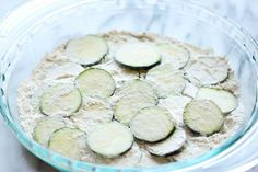 Zucchini Parmesan Crisps - A healthy snack that's incredibly crunchy, crispy and addicting! Zucchini Parmesan Crisps, Zuchinni Recipes, Veggie Recipes, Appetizer Recipes, Zucchini Rounds, Zucchini Sticks, Recipe Zucchini, Zucchini Fritters, Meatless Recipes