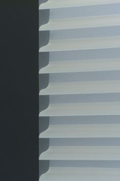 Shangri-La® Sheer 3 Horizontal LF Shades