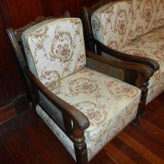 ANTIQUE-JACOBEAN-LOUNGE-SUITE-1932-ERA-EXCELLENT-CONDITION Wicker Sofa, Rattan, Lounge Suites, Living Room Furniture, Living Rooms, Flat Ideas, Jacobean, Antique Furniture, Accent Chairs