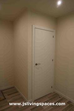 Habitación individual Tall Cabinet Storage, Locker Storage, Lockers, Living Spaces, Furniture, Home Decor, Single Bedroom, Bathroom, Quartos