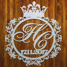 Королевской свадьбе-королевский герб! #нижнийновгород #свадебныйнижний #свадьба #вензель #монограмма #wedding #bride #солнцеграфика #нн #герб #свадебныеаксессуары #свадебныйдекор