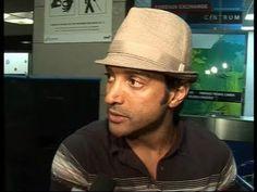Farhan Akhtar leaves for IIFA awards.flv
