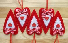 Set of 5 hand sewn felt hearts holiday ornaments. Made in Tildas style. Each comes with a ribbon attached so you can hang them anywhere. The