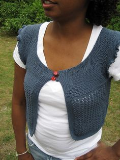 Ravelry: Project Gallery for Trellis Lace Capelet pattern by D. C. Boyd