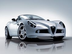 Alfa Romeo 4C GTA Spider... yummm  - too bad that you don't get to see many Alfa Romeos in North America...