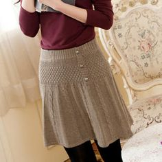Cute button cable-knit skirt!