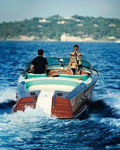 The style of a gentleman Yacht Design, Boat Design, Wooden Speed Boats, Wood Boats, Le Mans, Riva Boot, Riva Yachts, Classic Wooden Boats, Vintage Boats